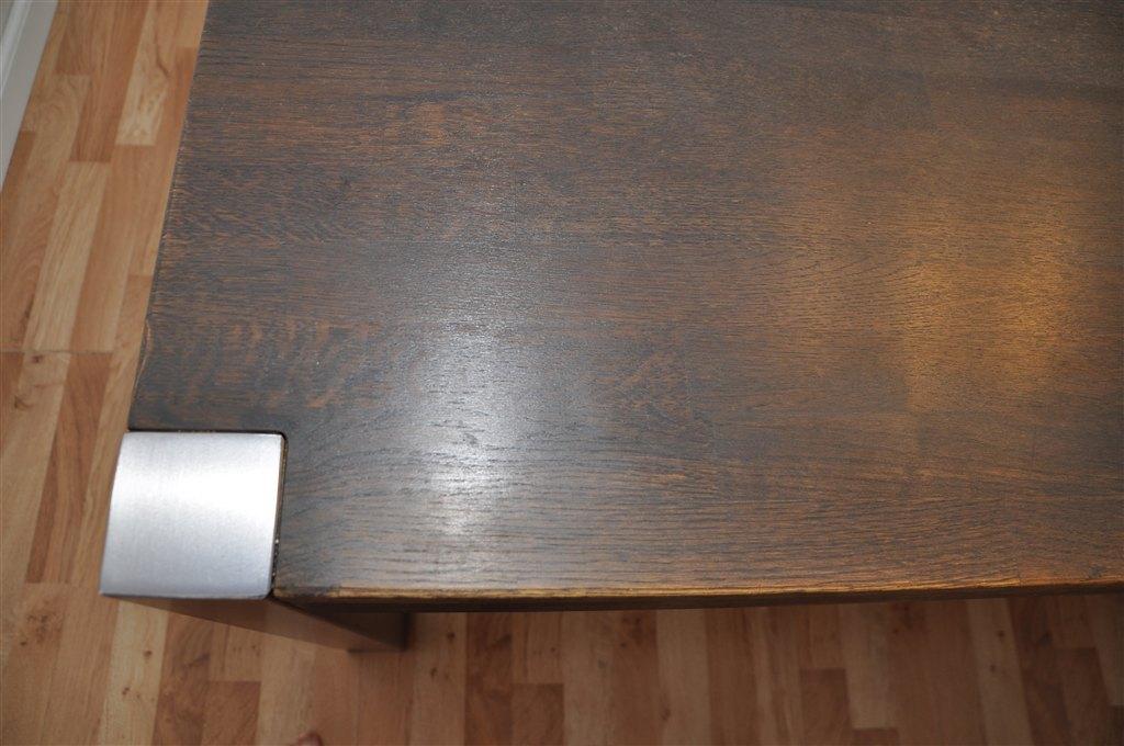 Spisebord i massivt espressofarvet oliebehandlet eg : )