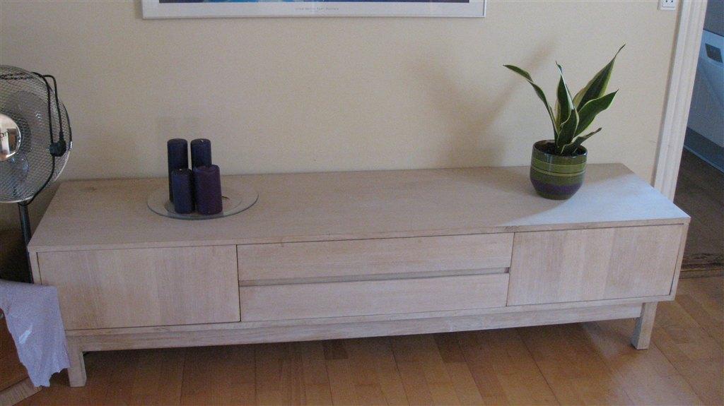 Sofabord og tvbord/skænk i lyst egetræ