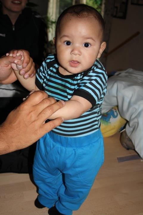 mulat baby naturlig behåring