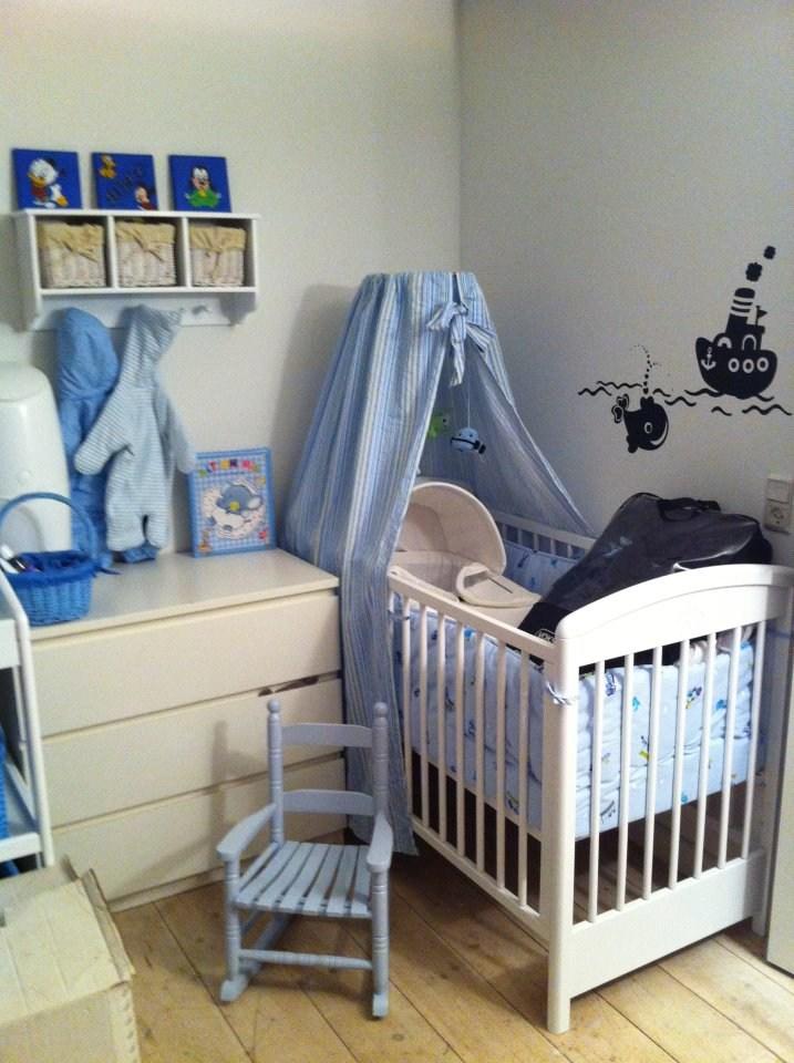 Inspiration til babyværelset – Cykelhjelm med led lys