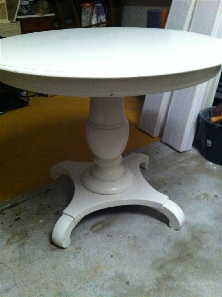 hvidt rundt spisebord