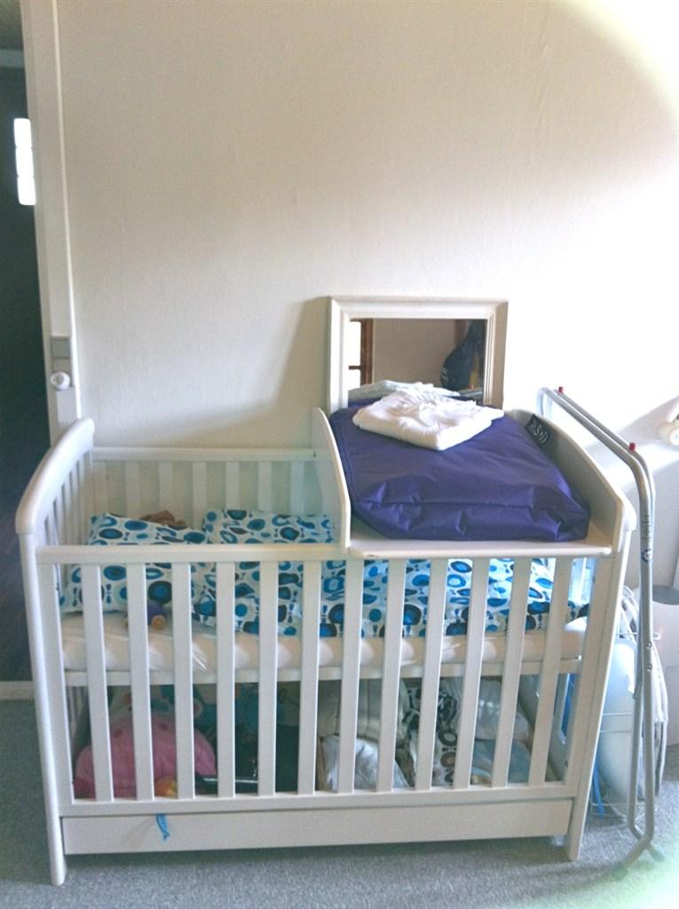 Baby luca- / sebastian aaron´s værelse maj 2012 :0)