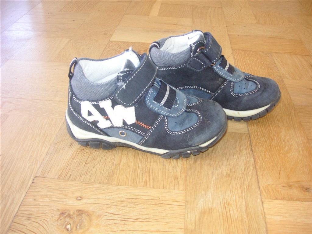 1-2 år: Sko str. 23 bla Nike