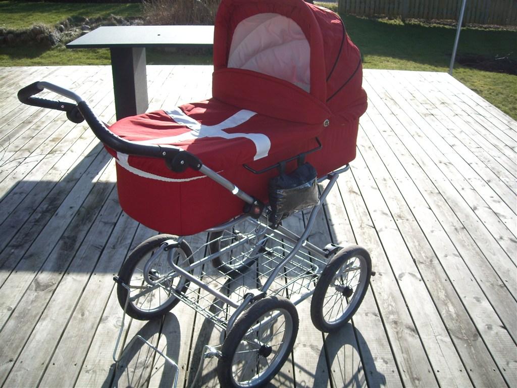 Barnevogne: Unik rød Odder barnevogn