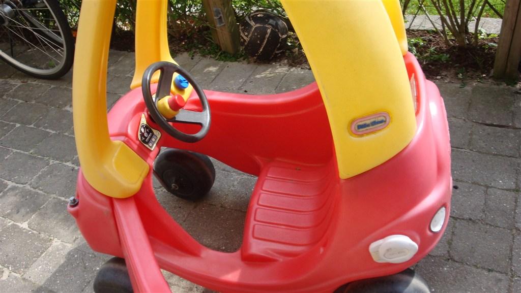 Topnotch Udendørs legetøj: stor bil Coupe sælges (til at sidde i) 175kr LZ21