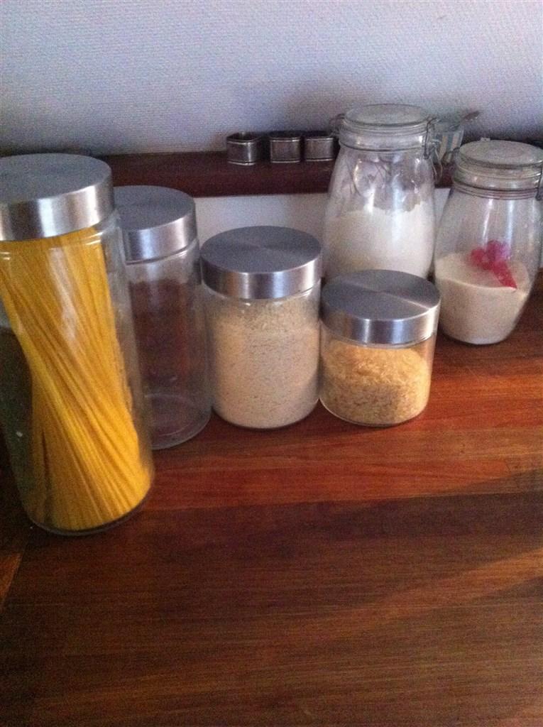 Opbevaring af mel, sukker mv.