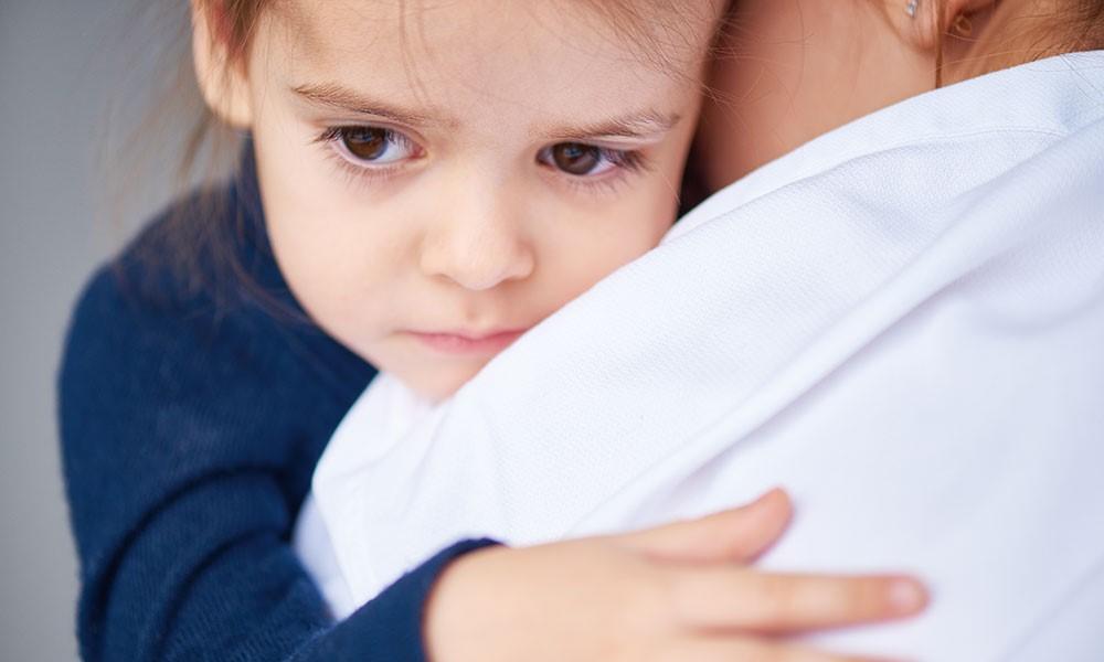 Ny undersøgelse: Hver tredje reagerer ikke ved mistanke om omsorgssvigt