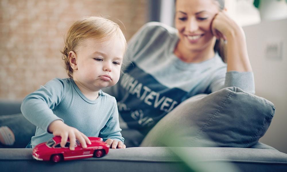 Klumme: Små børn bør passes hjemme – for hele familiens skyld