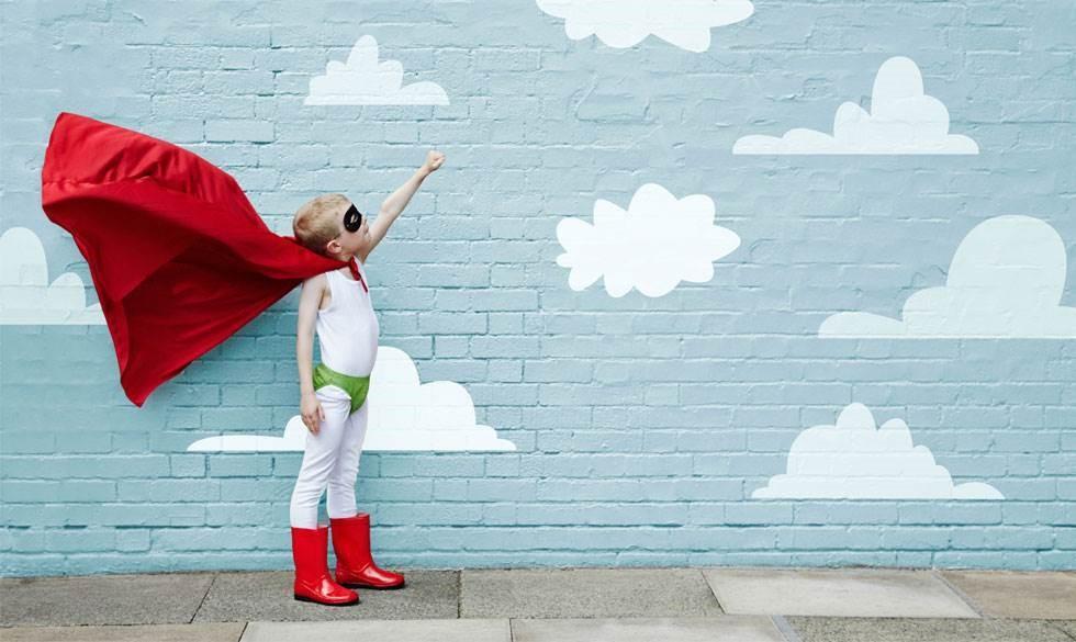 Hvor sundt er det egentligt for dit barn at se op til en superhelt?