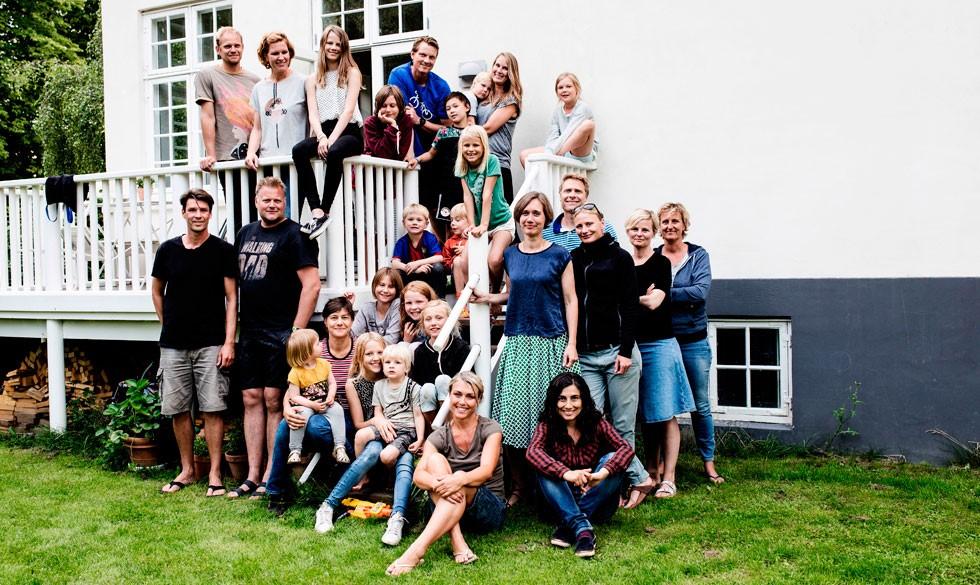 Bofællesskab: Sådan føles det at bo 26 mennesker sammen