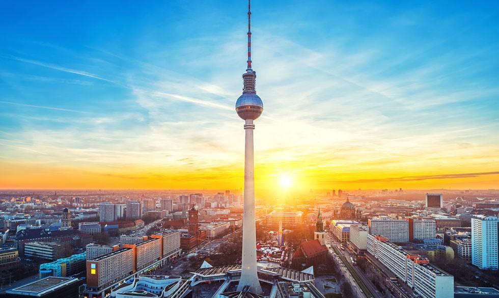 Far-søn-tur til Berlin: Bratwürst, burger og bold