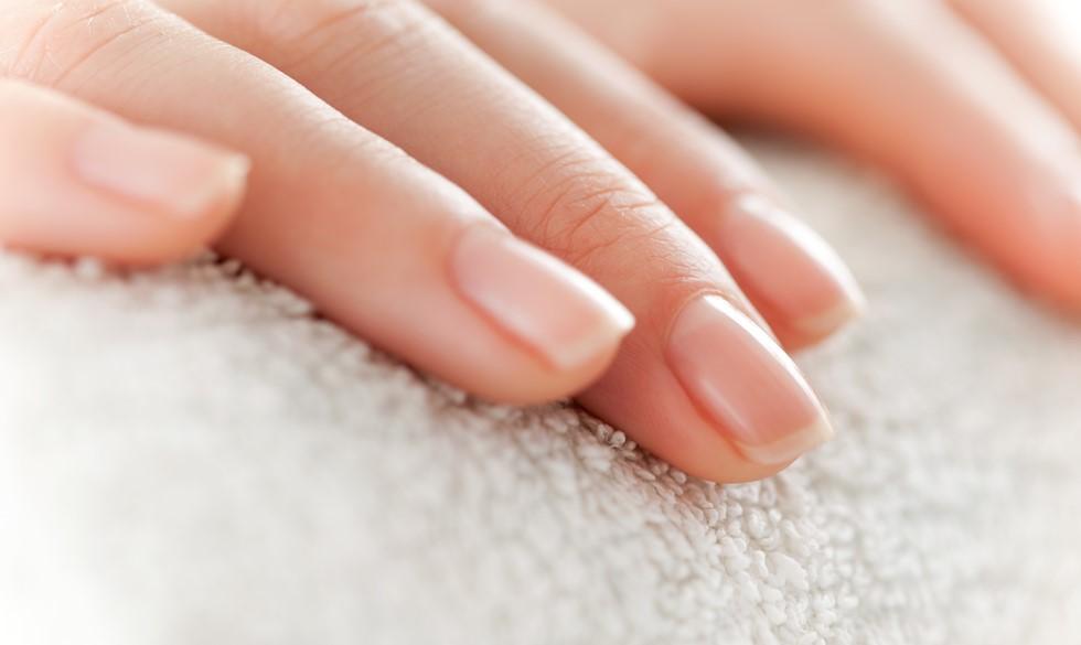 Myteknuser: Må du bruge neglelak, når du er gravid?