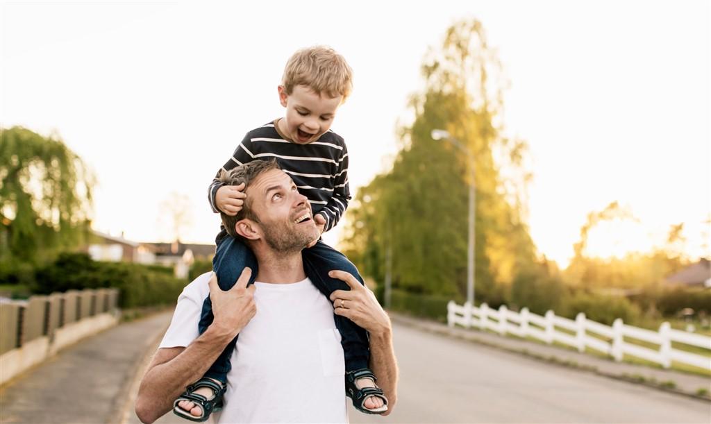 Hjælp dit barn trygt gennem forandringer