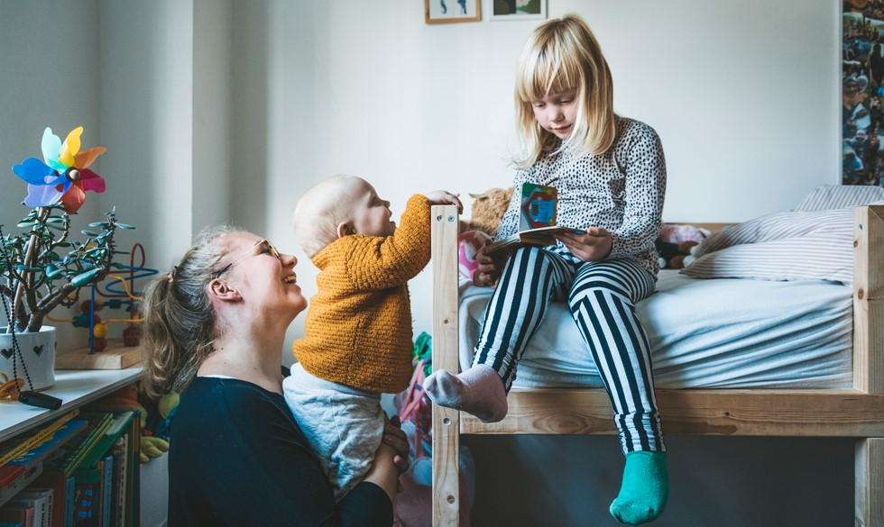 Hver anden småbørnsmor drømmer om at blive hjemmegående