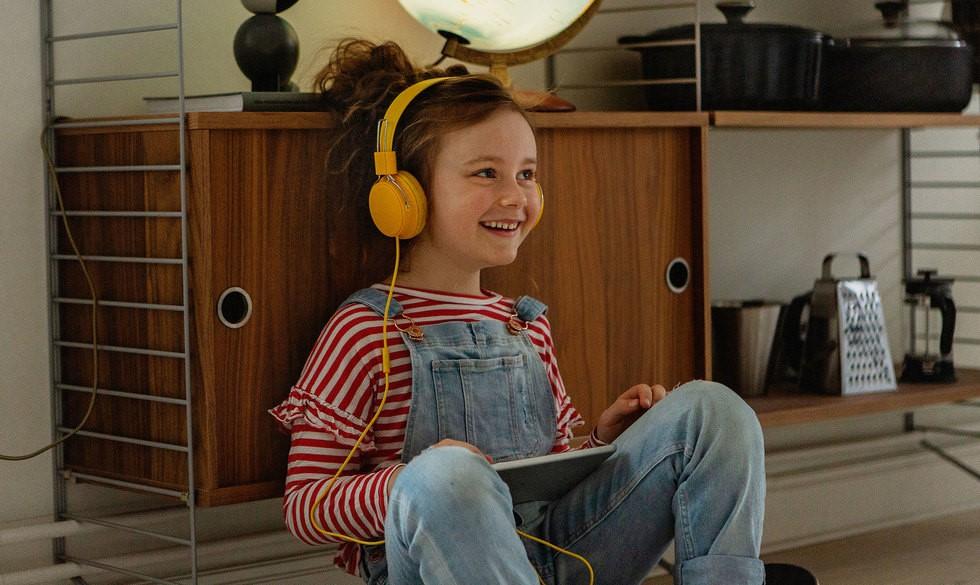 8 lærerige podcasts, der holder ungerne beskæftiget